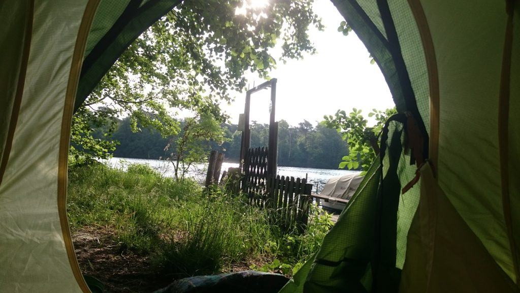 Zeltplatz Kuhle Wampe - Morgenblick aus dem Zelt